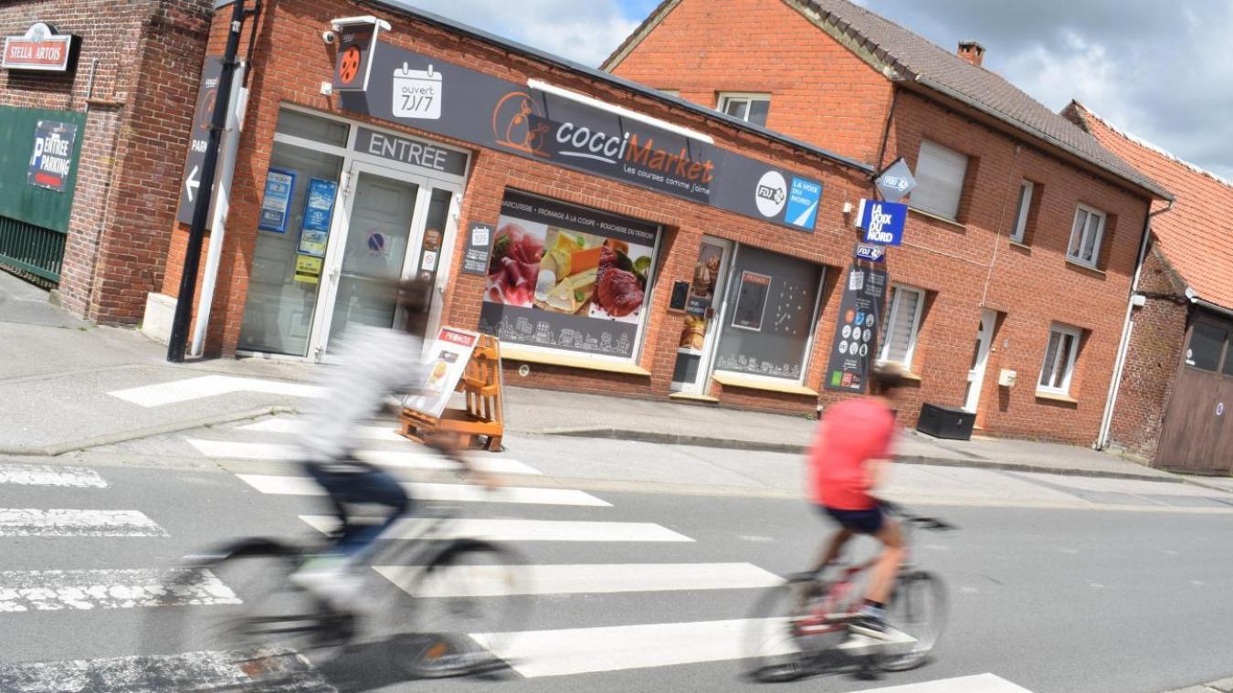 Le Coccimarket, situé rue d'Ypres, devait se déplacer à l'arrière du bâtiment pour laisser place à un café-friterie et une laverie.