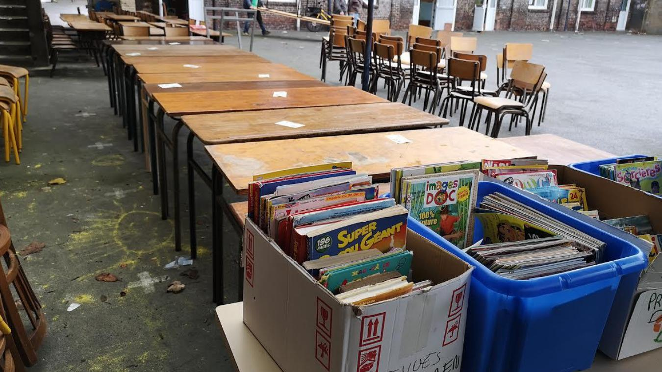 Mobilier scolaire, livres, jeux et vêtements étaient à vendre à l'initiative de l'Apel.