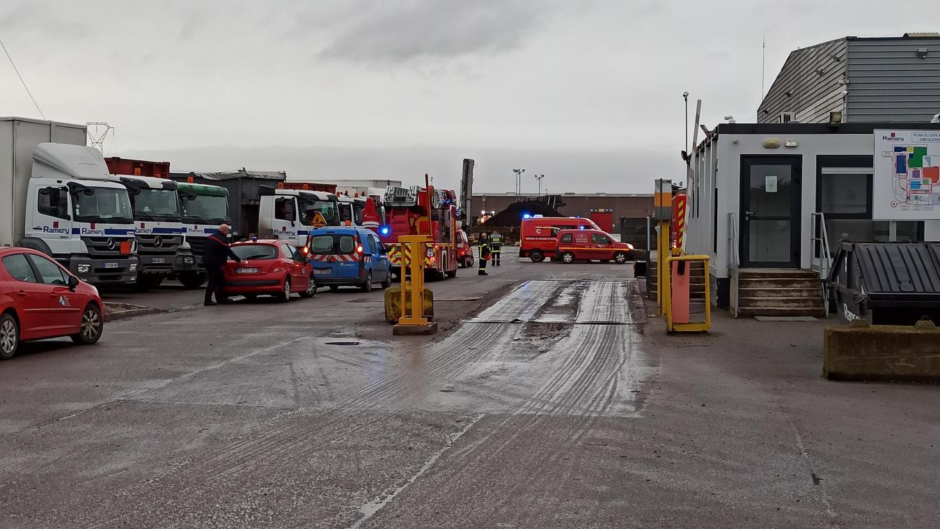 Harnes : les pompiers sont venus à bout de l'incendie chez Ramery Environnement