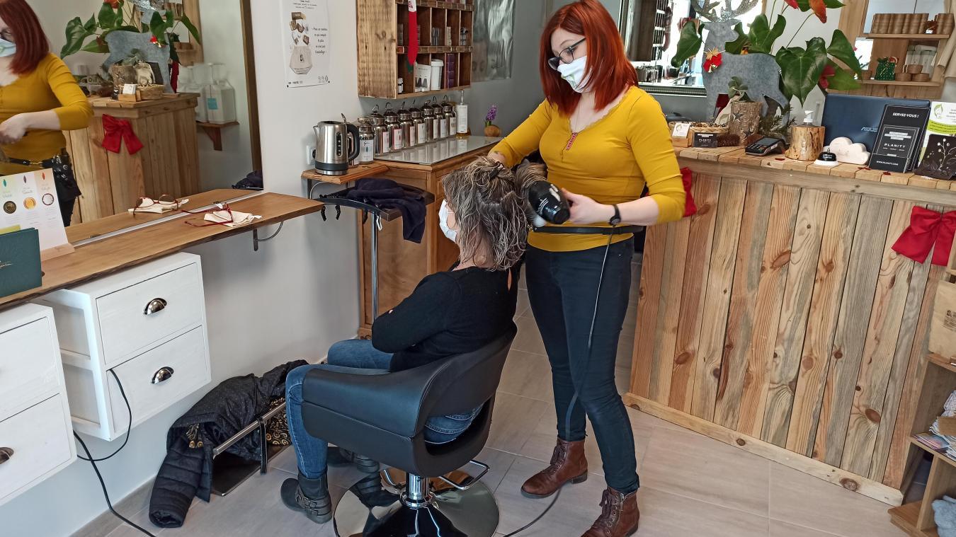 Le salon écoresponsable d'Élodie Marbac ravit la clientèle. Ainsi, Dominique sortait de son rendez-vous comblée