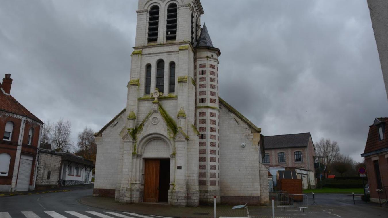Dans la nuit du lundi 21 au mardi 22 décembre, une petite partie du plafond voûté de l'église Saint-Martin s'est effondrée.