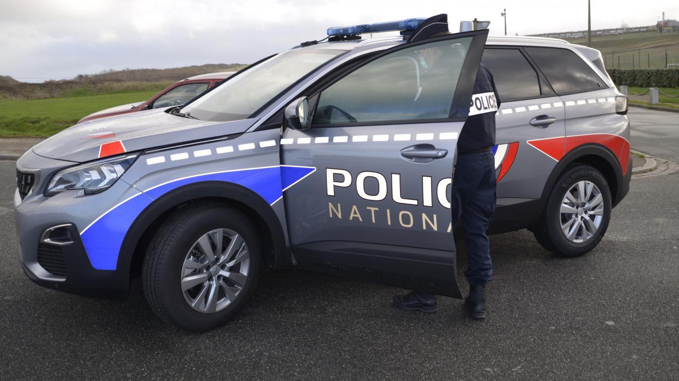 Les policiers de Boulogne-sur-Mer ont reçu deux véhicules flambant neuf, avec la nouvelle sérigraphie de la Police nationale.