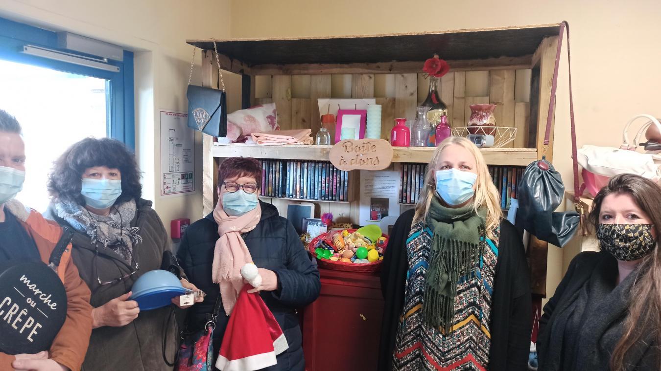 Delphine Kula et Virginie Collart, à droite sur la photo, sont à l'origine de ce projet. Pour le plus grand plaisir des bénéficiaires.