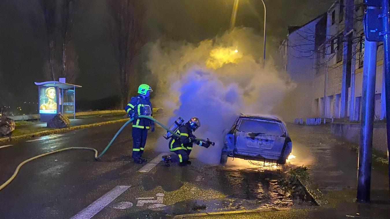 Les sapeurs-pompiers de Boulogne-sur-Mer ont éteint plusieurs feux de voitures à Outreau et au Portel durant la nuit du réveillon de Noël.
