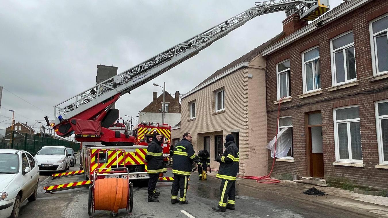 Les pompiers de Cassel, Wormhout, Bollezeele et Hazebrouck étaient sur place.