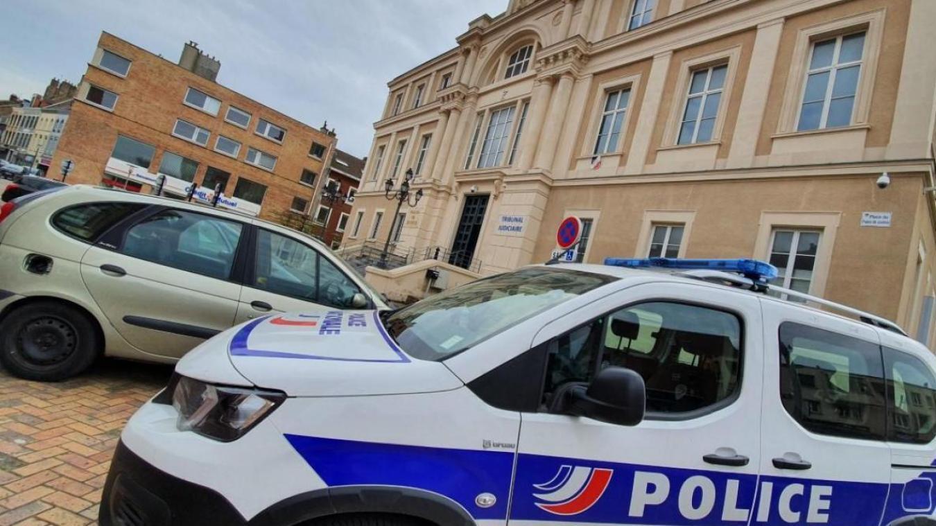 L'homme, entendu par le tribunal de Dunkerque, a été reconnu coupable de rébellion.