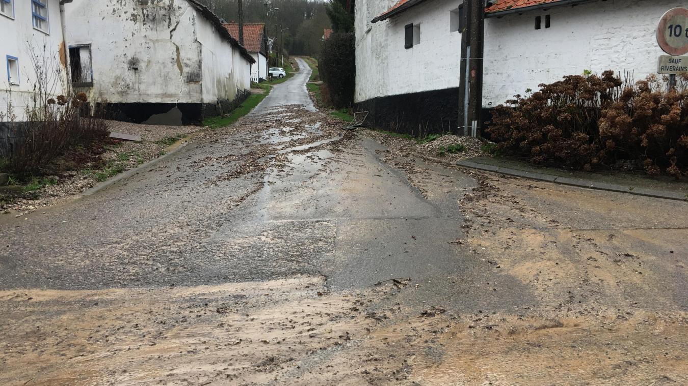 A Inxent, rue de l'église, les pluies ont provoqué quelques dégâts ce dimanche matin.