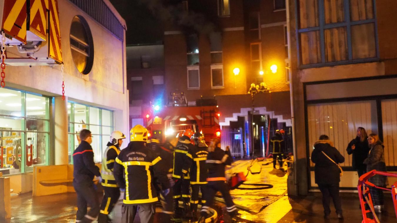 26 sapeurs-pompiers venus de trois casernes différentes ont été mobilisés pour éteindre l'incendie.