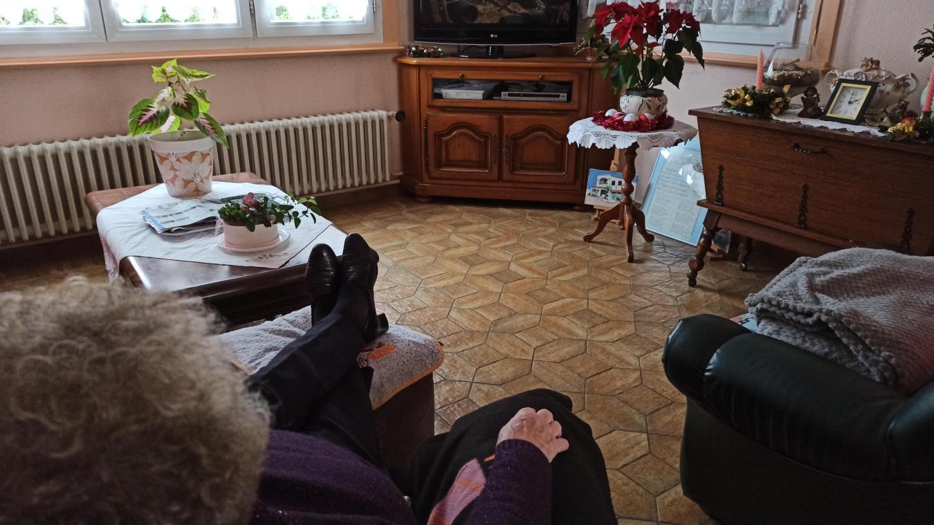 À défaut de voir leurs amis, les retraités passeront le Nouvel An seul devant la télévision.