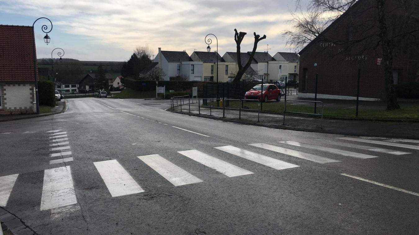 Un axe fréquenté quotidiennement par de nombreux piétons et collégiens du Bras d'Or situé sur la commune d'Ecuires.