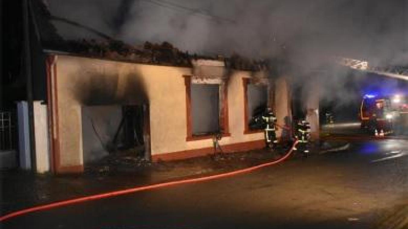 Une maison détruite par le feu au sud de Bapaume