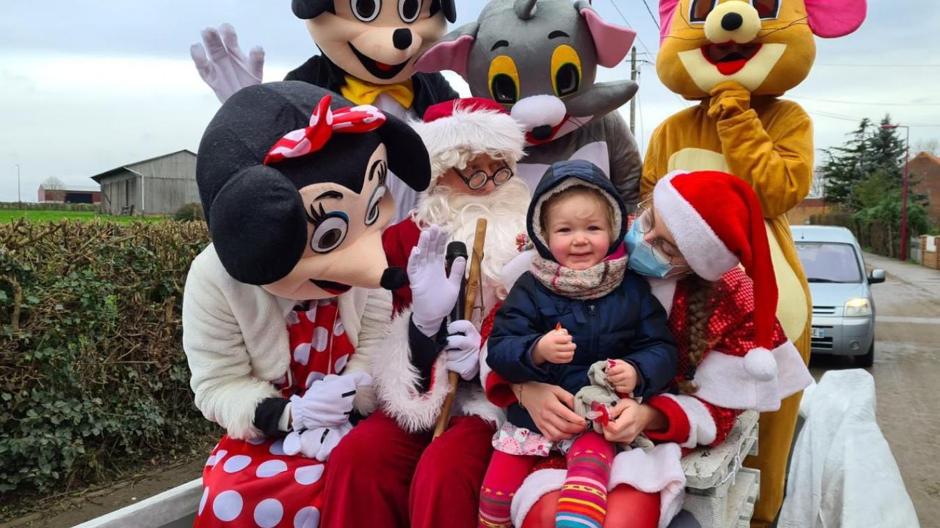 Millam : une parade de Noël surprise dans les rues du village