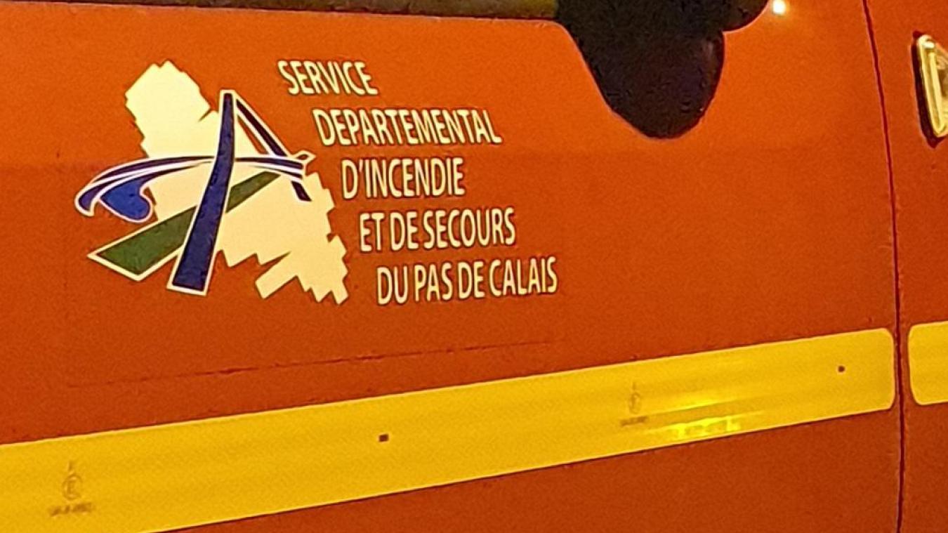 Bully-les-Mines: Les pompiers interviennent pour stopper les flammes en pleine nuit