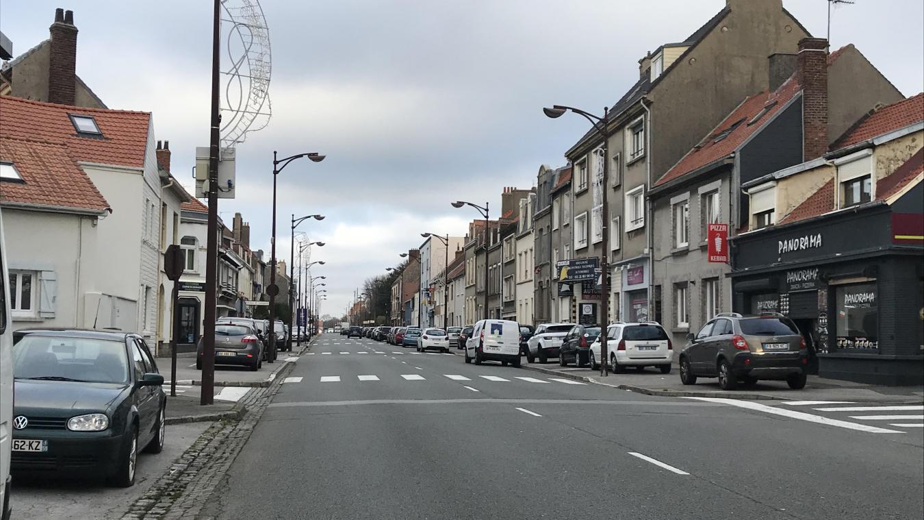 Le 29 décembre, les secours ont été appelé à de nombreuses reprises pour des odeurs suspectes à Boulogne et Saint-Martin. Un riverains de l'avenue Charles-de-Gaulle a signalé de nouvelles effluves d'hydrocarbure ce 1er janvier. Les pompiers ont également été appelés pour des odeurs suspectes rue Aristide-Briand et place des Victoires.