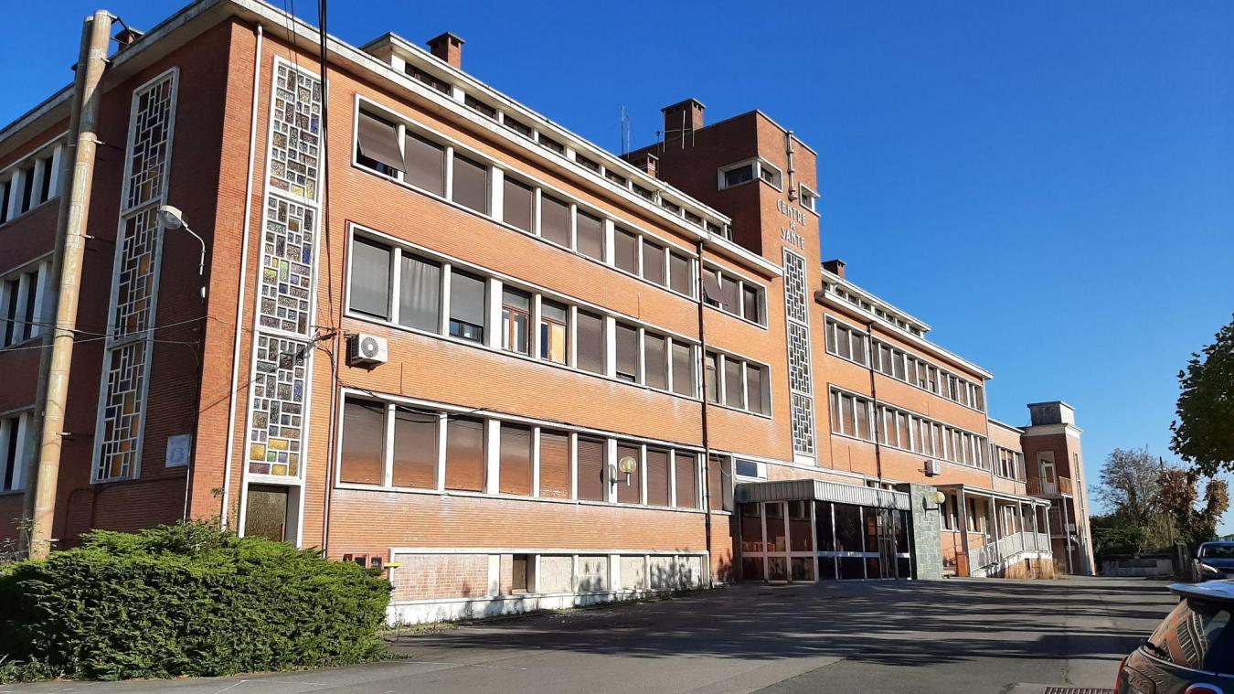 Parmi les idées évoquées, Philibert Berrier, maire d'Auchel, imagine réutiliser les bâtiments de l'ancien centre de santé pour une structure commune aux trois villes du programme.