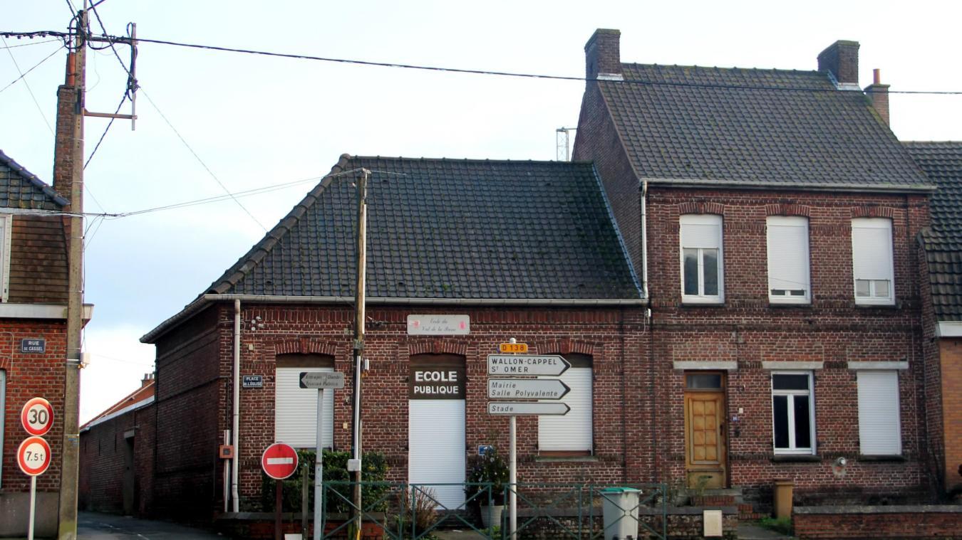 La réalisation du nouveau dortoir se fera dans l'ancienne maison de l'instituteur, contiguë à l'école.