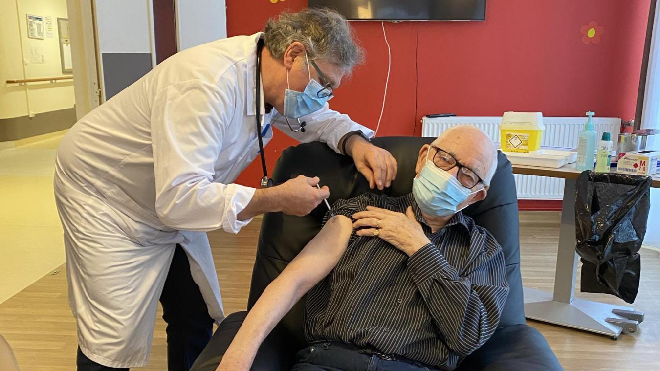 Premiers vaccins de l'Audomarois, c'était vendredi matin à Aire-sur-la-Lys, à la résidence Les Bateliers