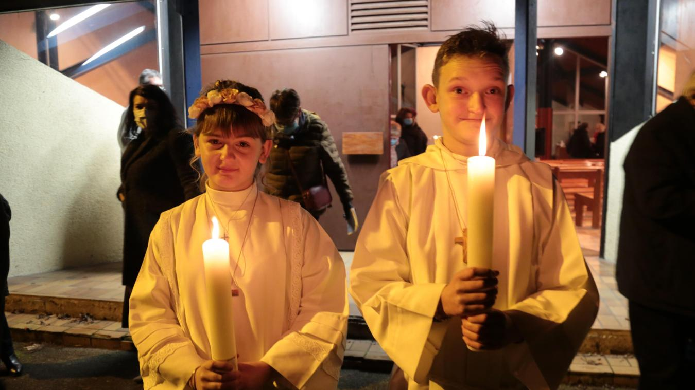 Florine et Vianey, deux jeunes Étaplois qui ont participé à leur communion solennelle samedi dernier.