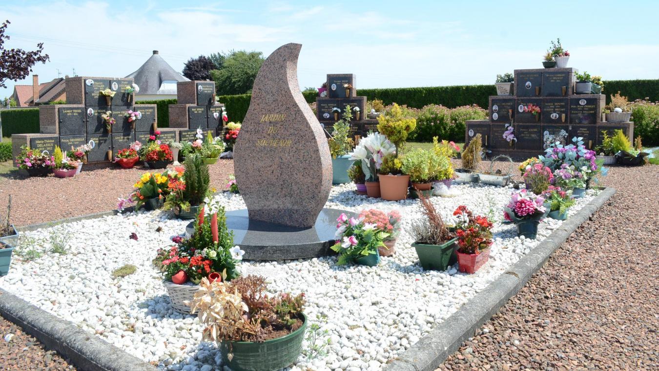 Le cimetière d'Isbergues, ici le Jardin aux souvenirs.