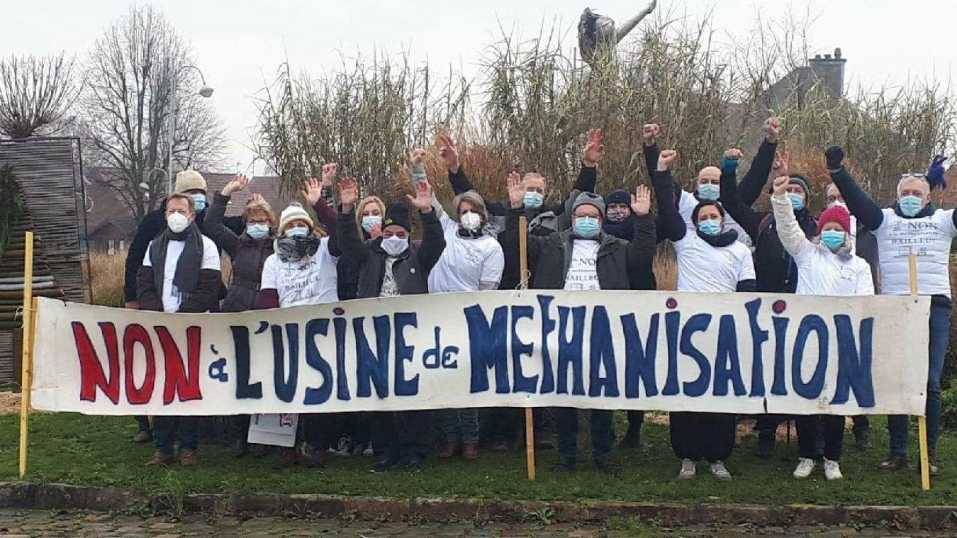 Le 2 janvier, l'association tractait sur les ronds-points de Bailleul pour annoncer la marche citoyenne.