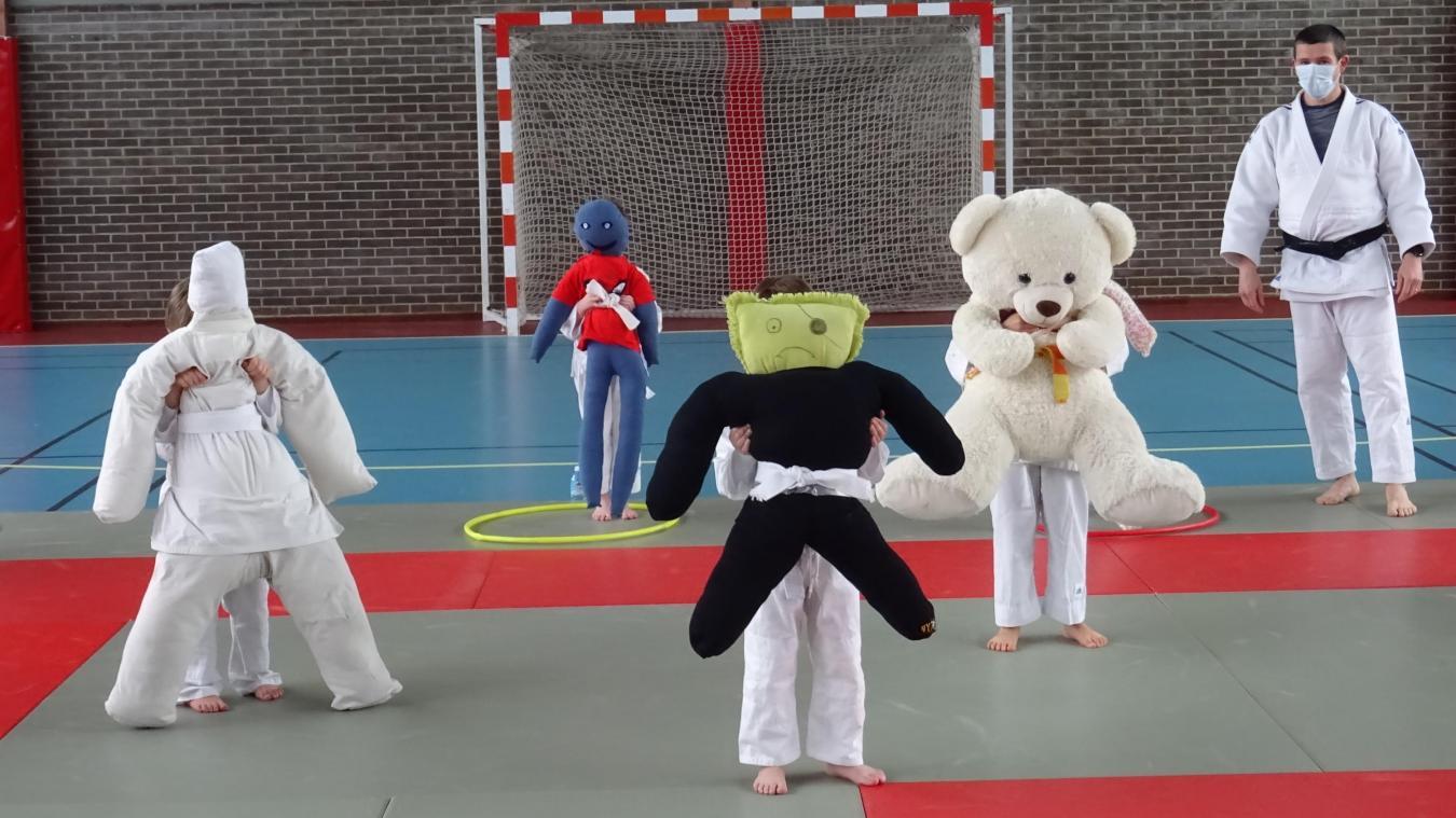 Georges, Pandi, Robert et Marcelin : les nouveaux copains des petits judokas de Vitry-en-Artois
