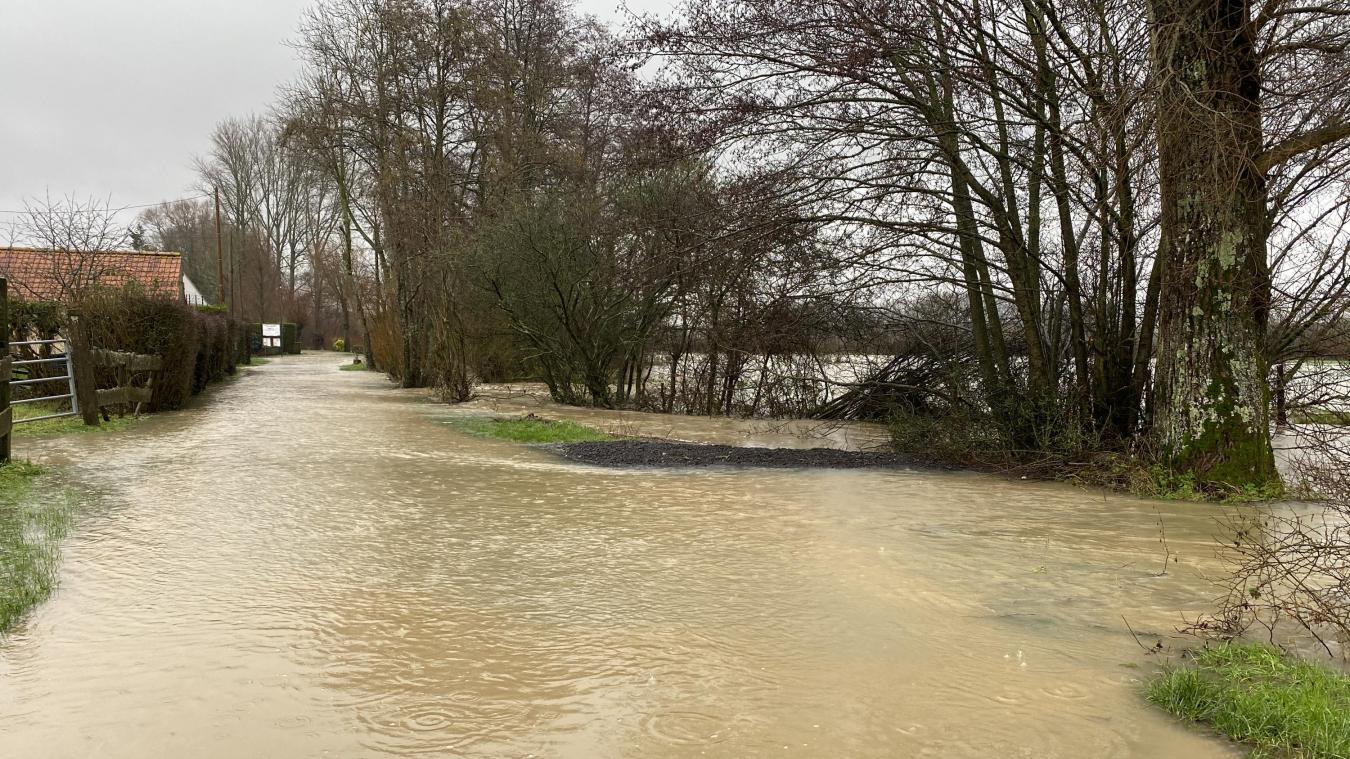La route de Canchy à Liques a été submergée.