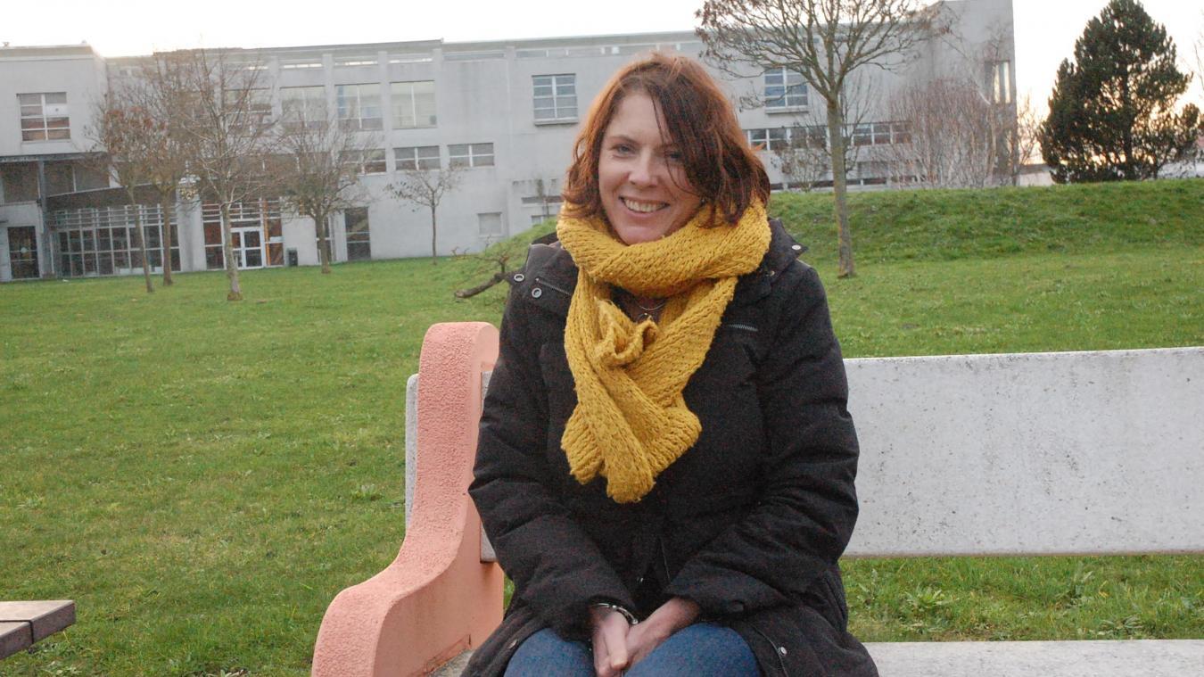 Kara Smith vit à Calais depuis 1995.