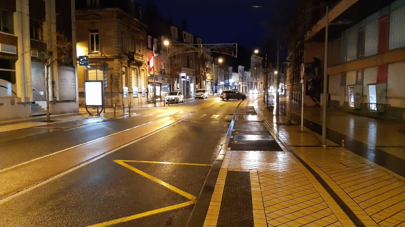 Comme toutes les villes de France, Calais a vécu ce samedi soir son premier couvre-feu avancé à 18 heures.