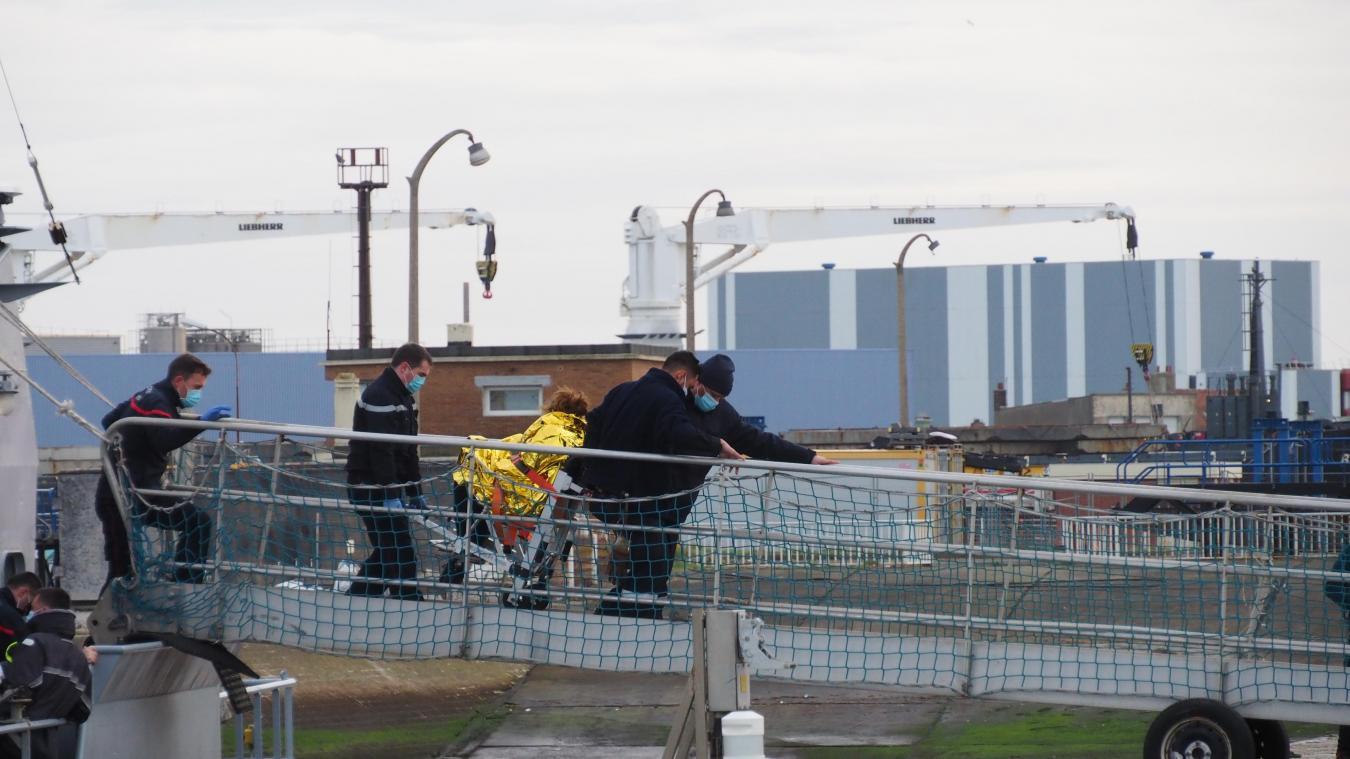 Les réfugiés ont été ramenés à terre à Calais ce lundi 18 janvier en fin de matinée.
