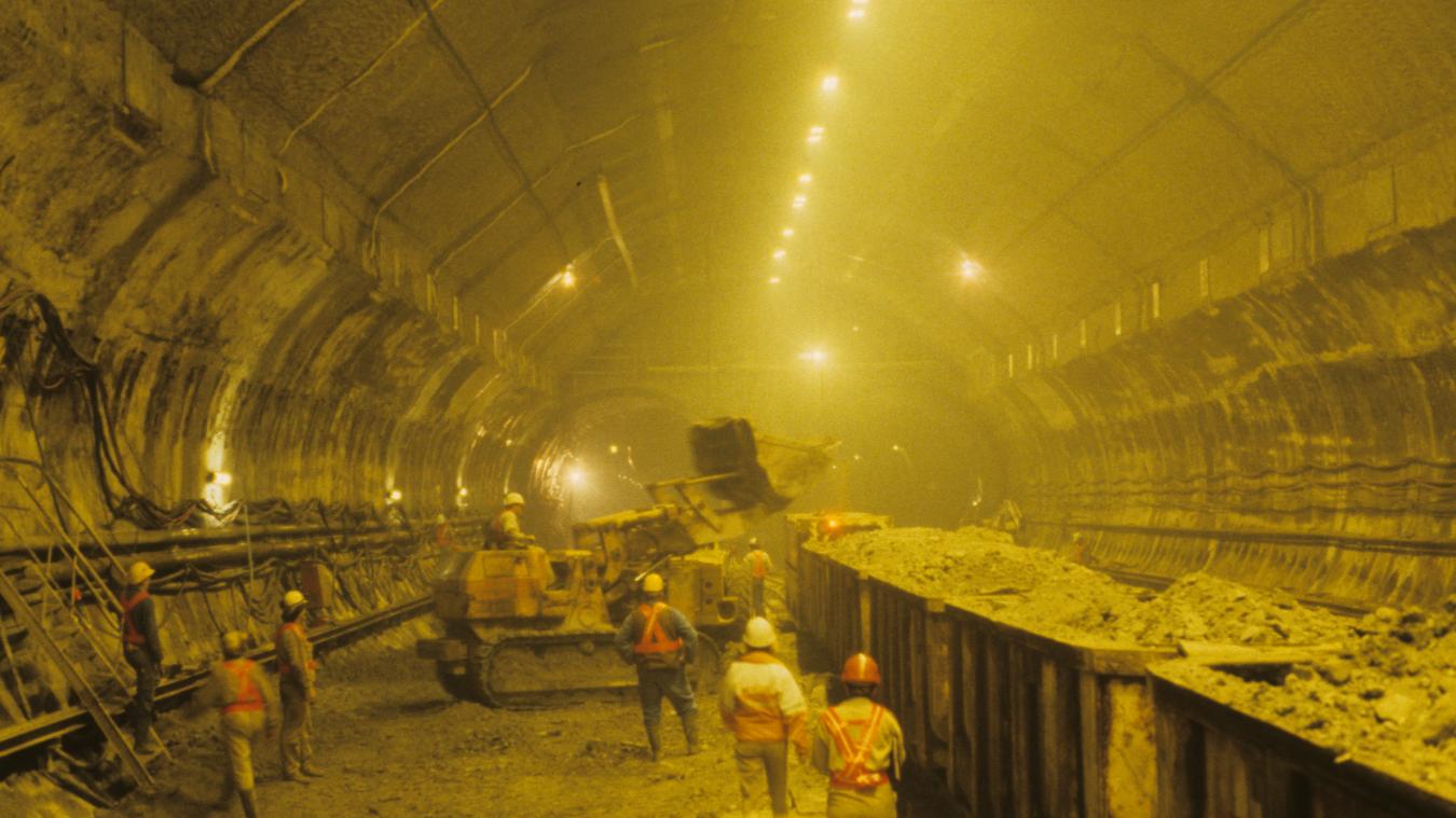 Tunnel sous la Manche : il y a 35 ans, Mitterrand et Thatcher annoncent le « chantier du siècle »
