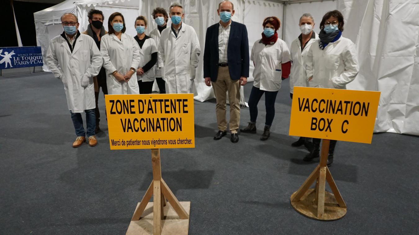 Les médecins généralistes et infirmiers touquettois étaient mobilisés aux côtés de Daniel Fasquelle ce mardi 19 janvier.