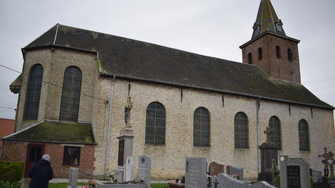 La maire, Catherine Clicteur, n'avait pas d'autre choix que de fermer l'édifice religieux, jusqu'à nouvel ordre.