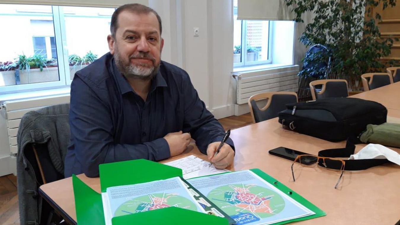 Christophe Crombez lance un appel à candidature pour trouver des bénévoles au nouveau comité des fêtes.