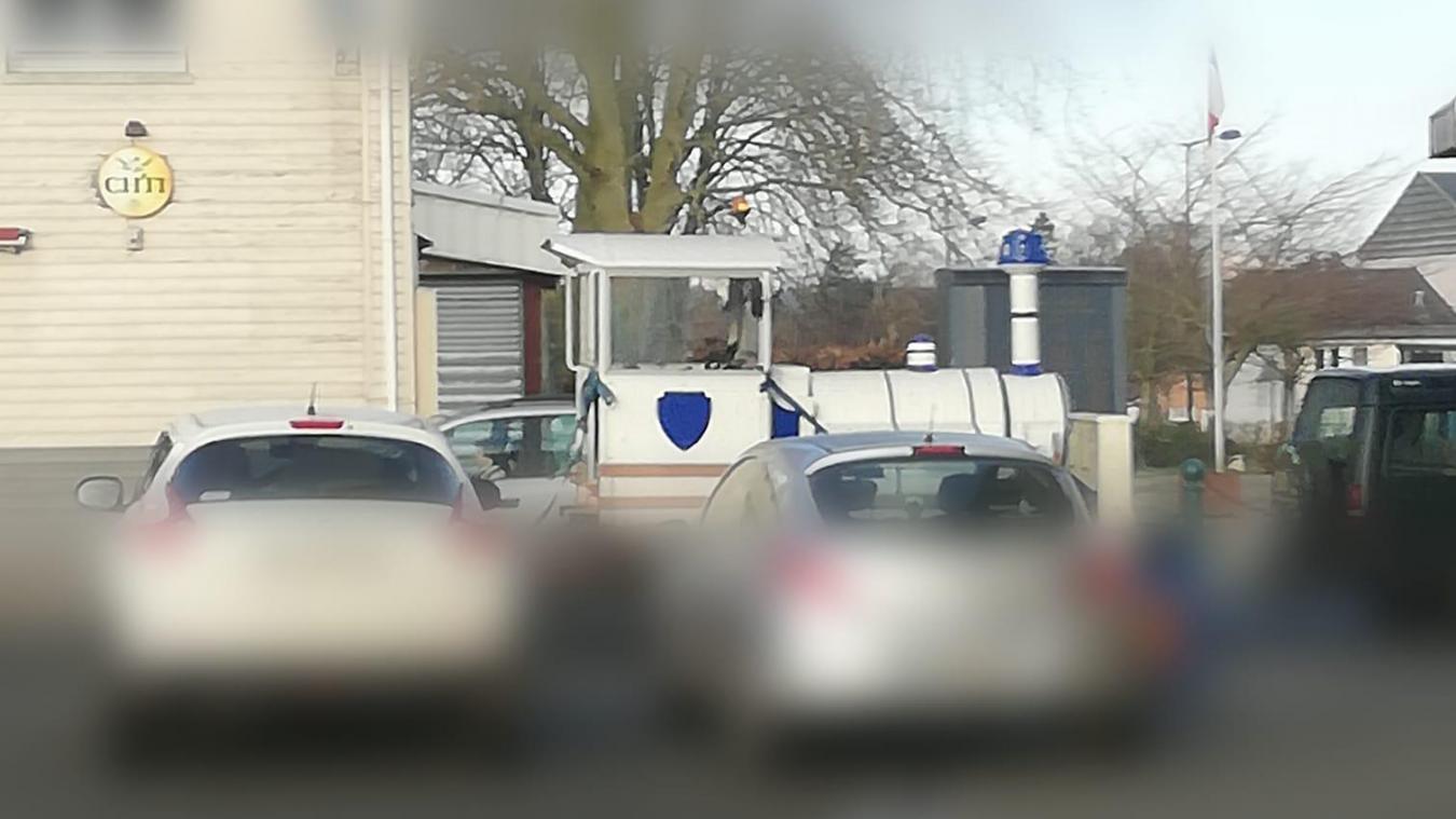 Le petit train a été observé quittant le centre-ville d'Auchel.