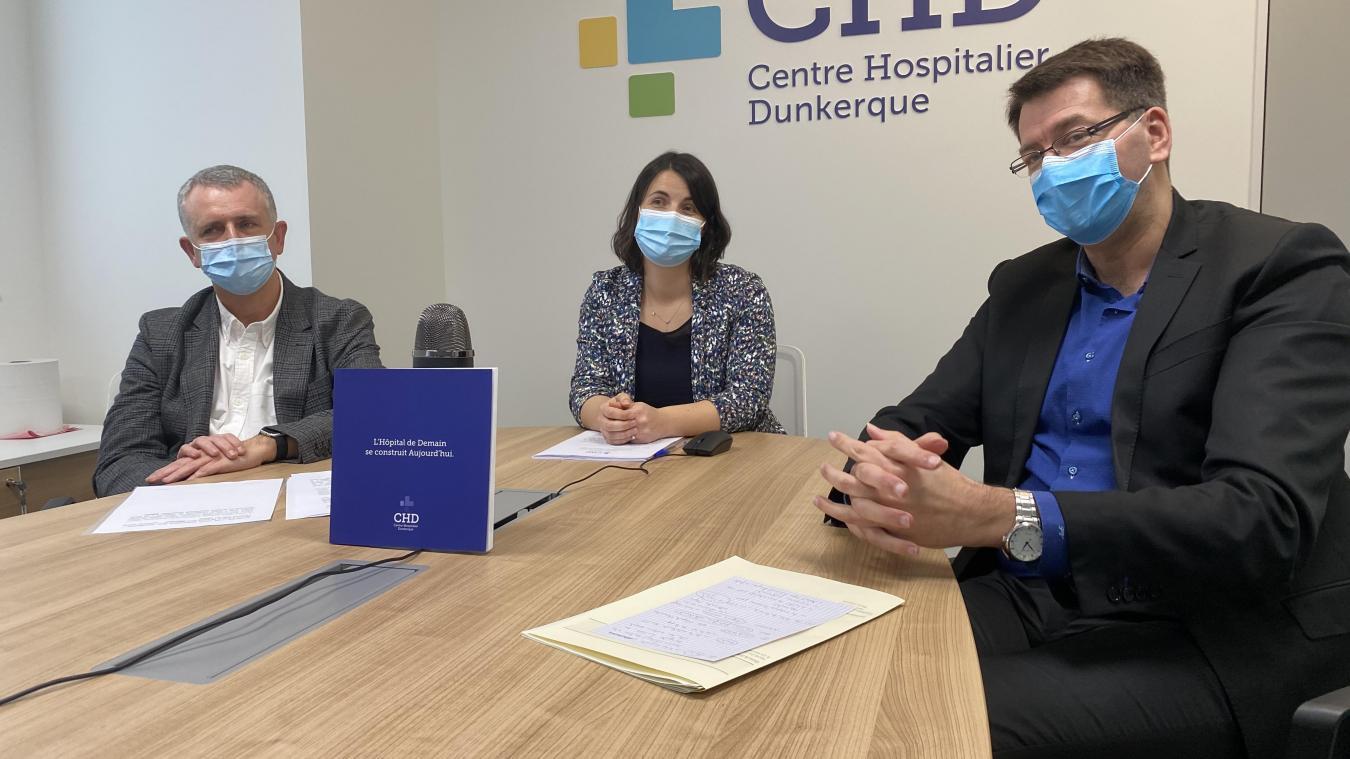 Thierry Paupard, président de la CME, Justine Leibig, directrice par intérim du CHD, et Patrice Vergriete, maire de Dunkerque, ont évoqué la situation sanitaire et celle de l'établissement lors des voeux ce jeudi 21 janvier.