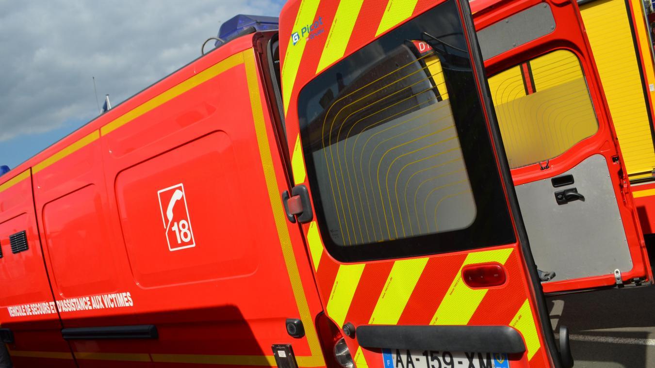 Les pompiers de Bollezeele et de Bourbourg sont intervenus à Looberghe samedi soir.