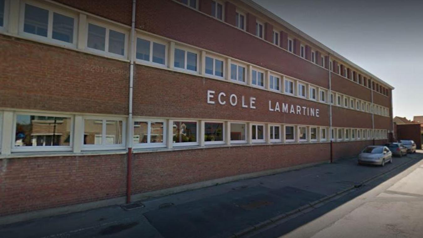 Dès mardi matin, tous les membres de l'école Lamartine à Bourbourg réaliseront un test PCR.