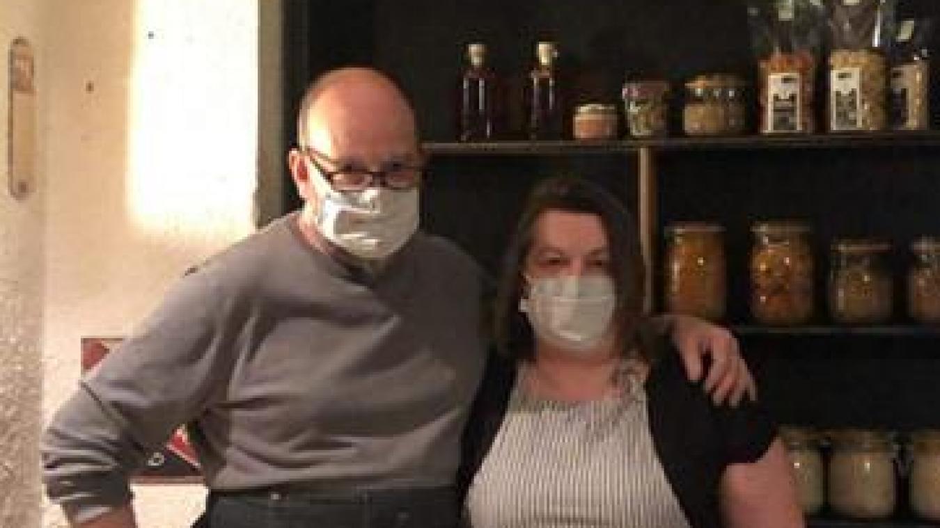 Jean-Michel et Nathalie, heureux de pouvoir ouvrir leur point de vente.