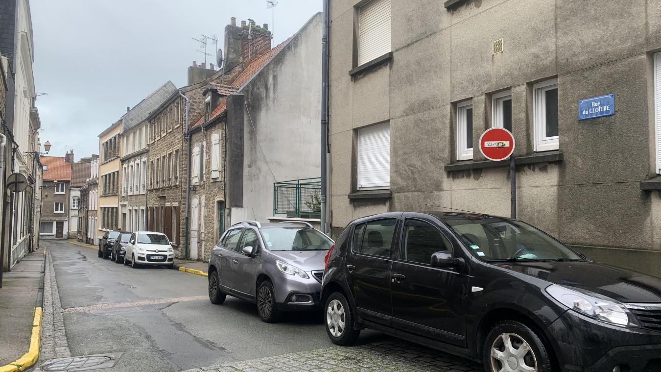 La rue du Cloître.