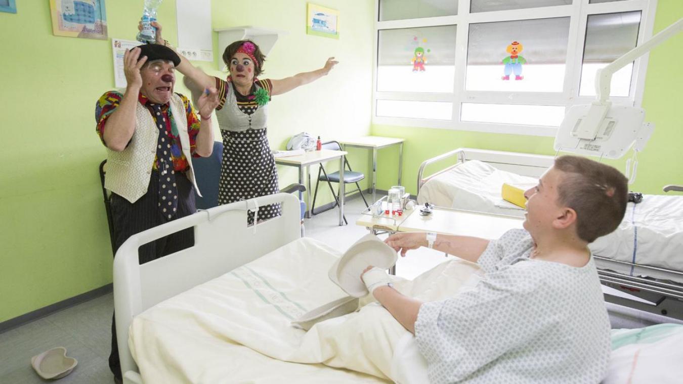 Donnez le sourire aux enfants hospitalisés en devant clown de l'espoir.