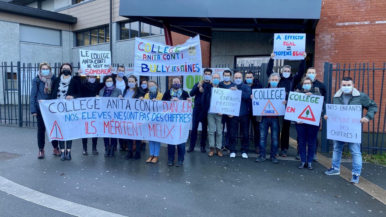 Les trois quarts des professeurs du collège étaient en grève mardi 26 janvier.