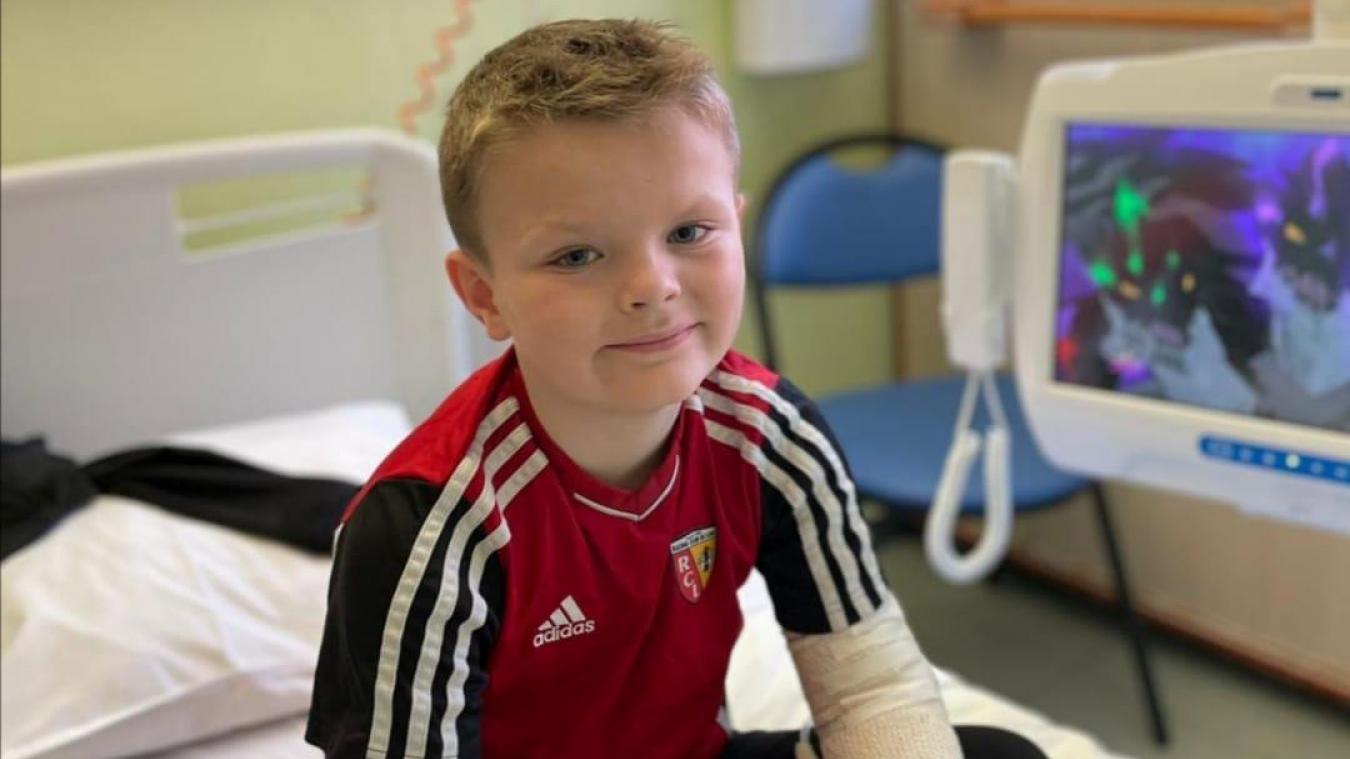 Supporter du Racing Club de Lens, Andréas vient régulièrement en consultation à l'hôpital de Calais et à Lille.