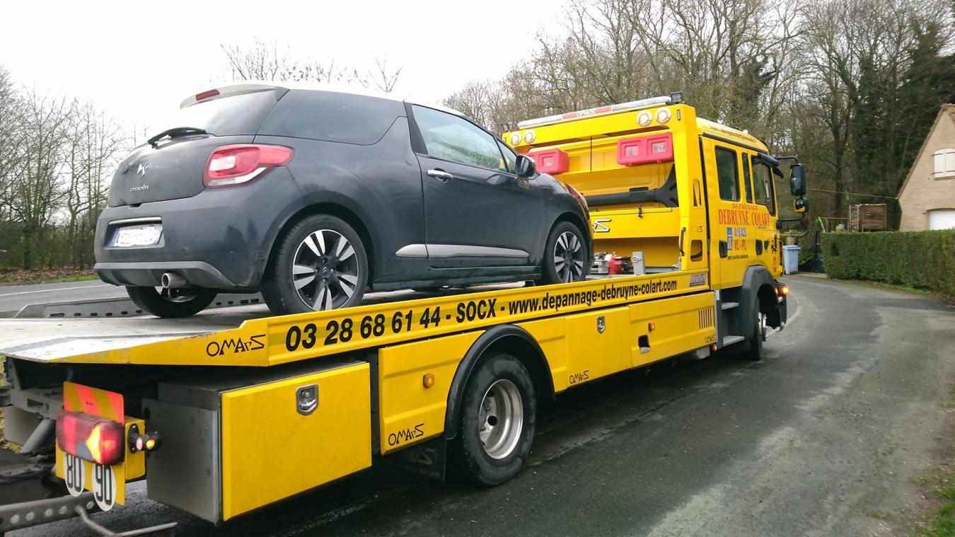 Le conducteur a dû repartir à pied... (photo Groupement de gendarmerie départementale du Nord 59)