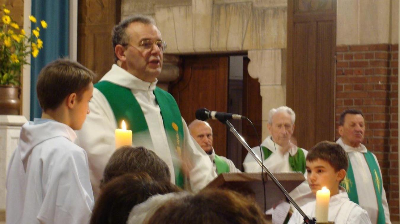 Ces prêtres africains vont soutenir l'abbé Merlier dans sa mission.