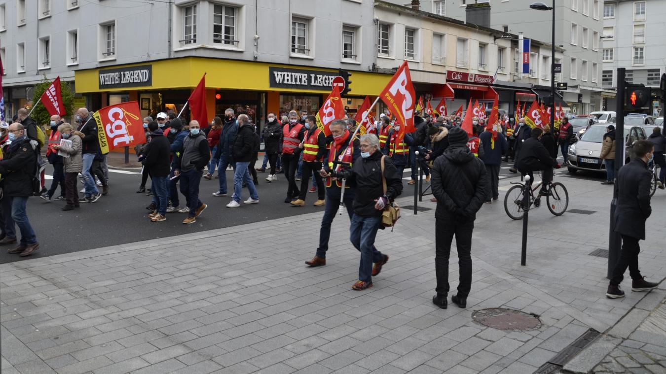 Plus de 200 manifestants des environs, de Calais, Hesdin, Montreuil, Berck, se sont réunis à Boulogne-sur-Mer.