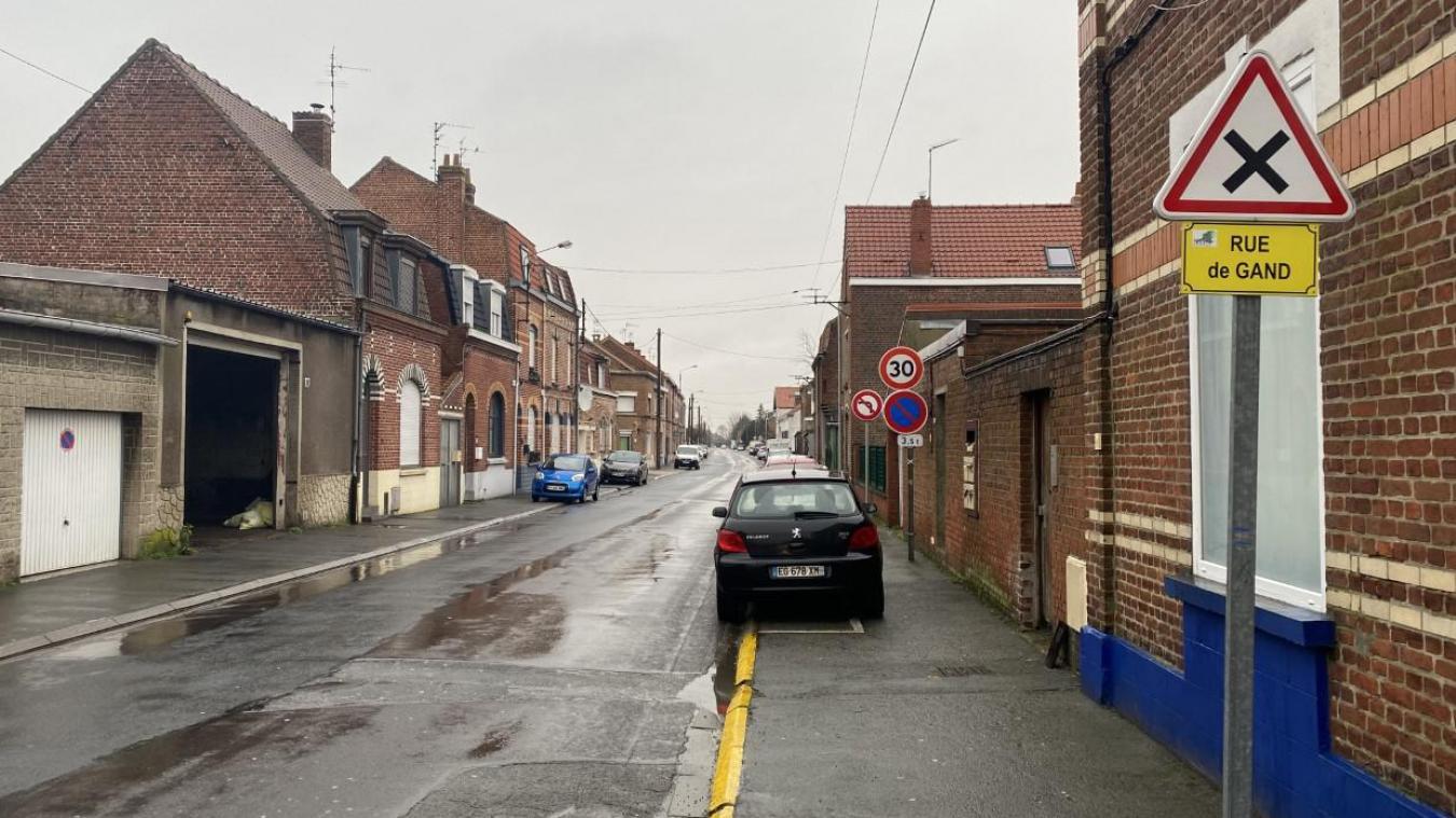La rue de Gand, qui mène vers Delacre et impactée par le passage de camions, va passer en sens unique après le numéro 643.