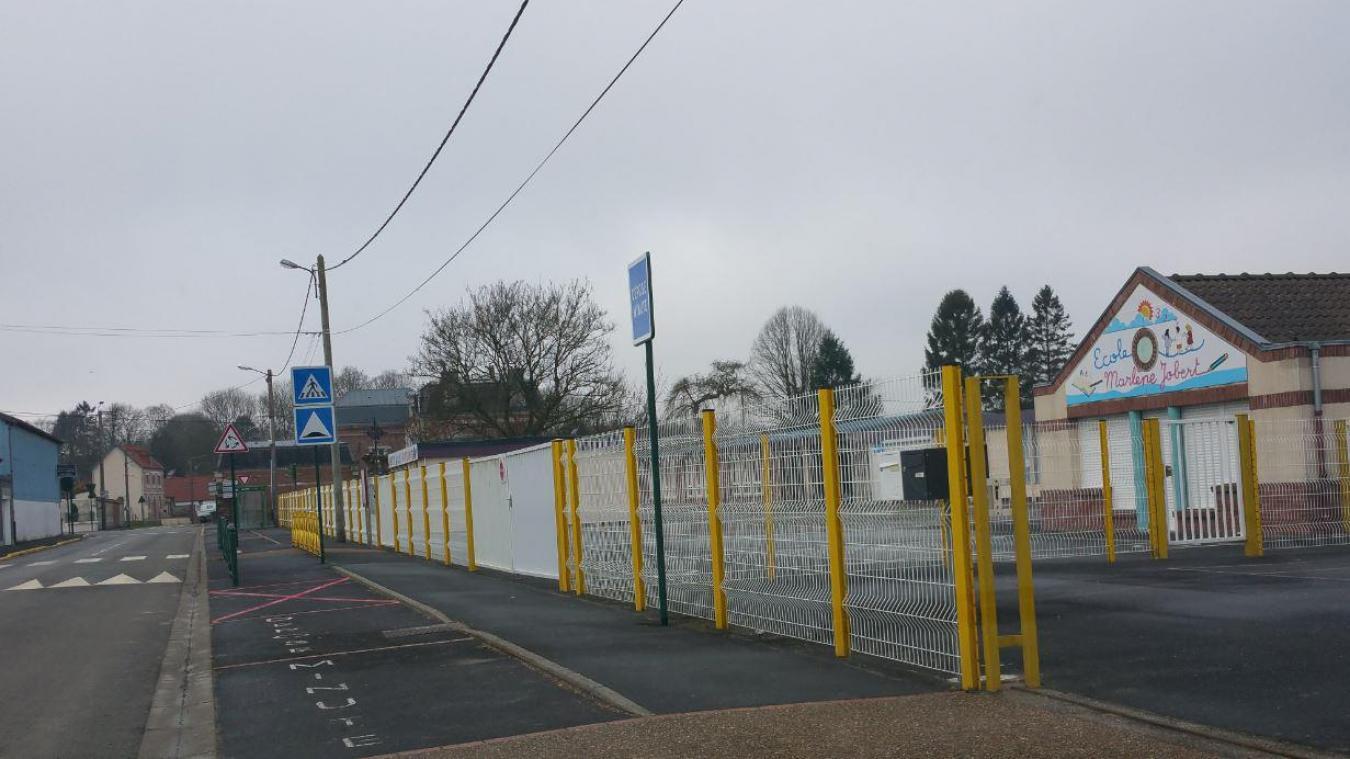 Depuis le jeudi 4 février, la classe de grande section de l'école maternelle Marlène-Jobert est fermée.