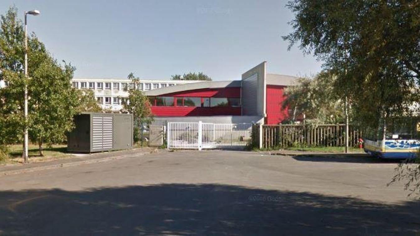 Le collège Gaspard-Malo, à Dunkerque, est décimé au niveau de son équipe administrative. Un principal remplaçant est même présent en renfort.