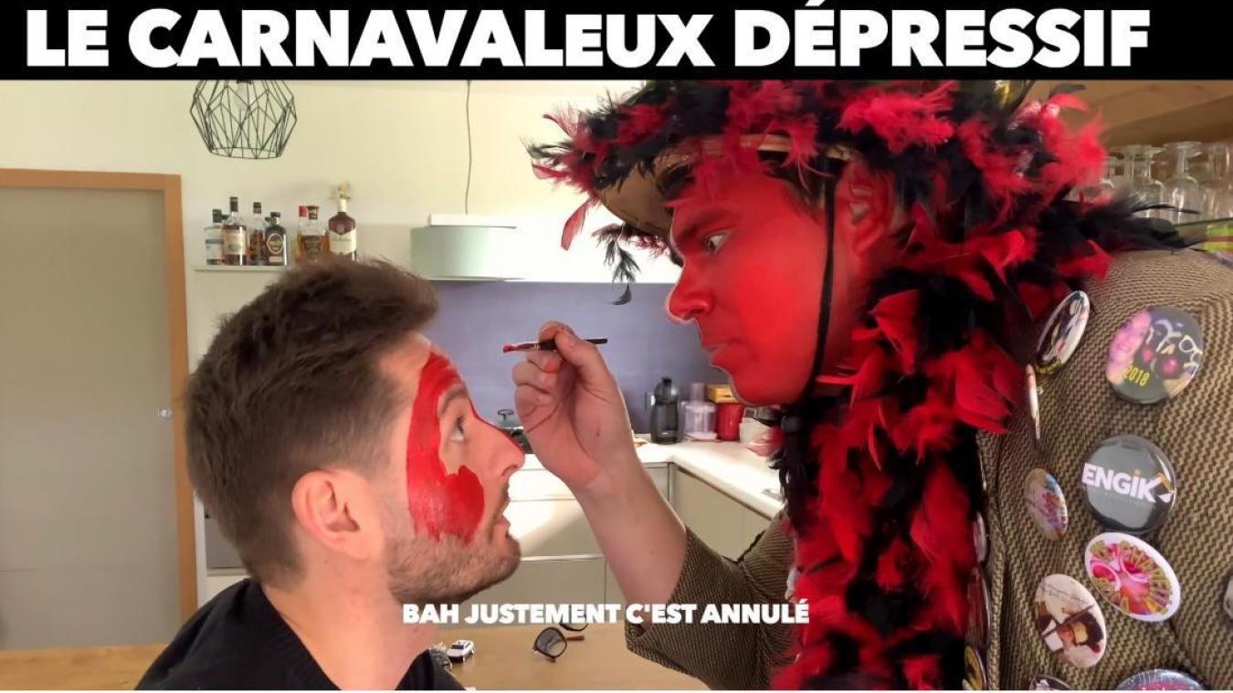 Julien Bing vient aider son ami carnavaleux. Mais celui-ci veut le mettre dans l'ambiance en lui maquillant le visage.