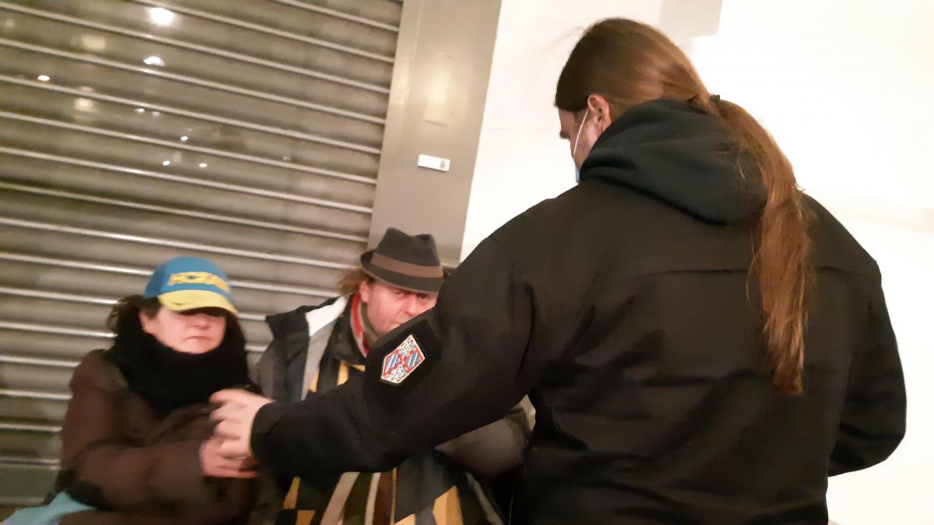 L'équipe de rue arrageoise de la veille sociale de l'association Aide aux sans-abri (ASA) aide les plus démunis.